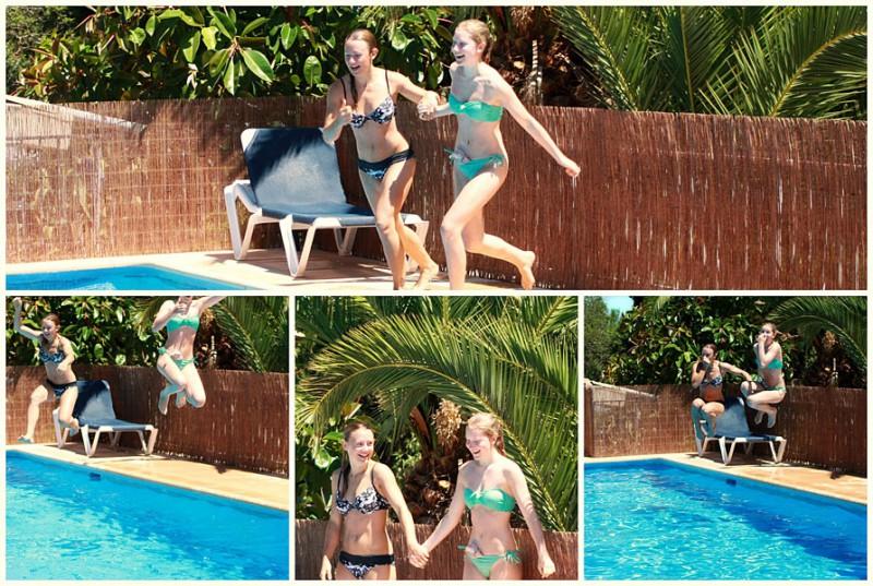 Foto: Stomaträergin im Bikini hat mit Beutel am Bauch Spaß im Pool