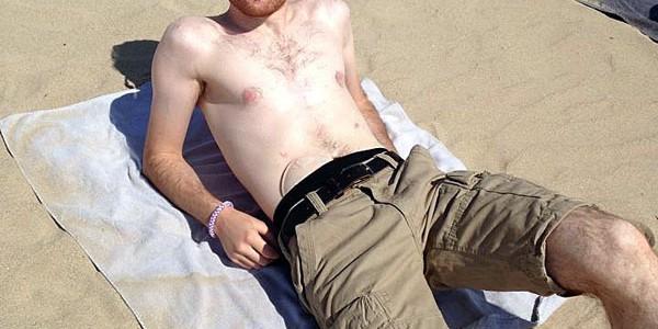 Foto: Stomaträger sonnt sich am Strand